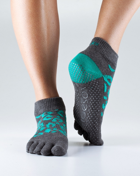 ToeSox with Grip – Full Toe Ankle by ToeSox, Inc.