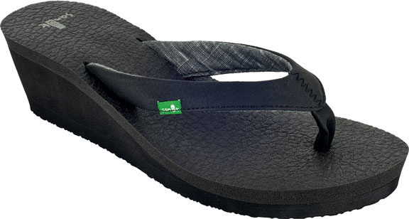 13ee30619d7f Sanuk Yoga Mat Wedge Sandals. Black